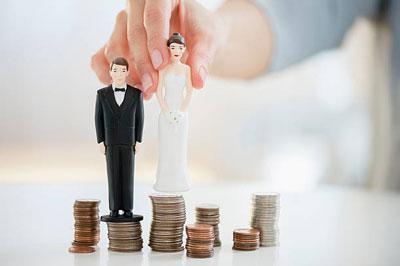 Можно ли получать алименты в браке