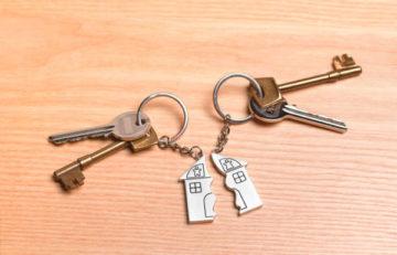 делится ли при разводе подаренная квартира